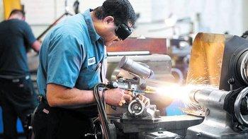 Sector industrial requerirá más de 47000 trabajadores hasta junio del 2015