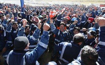 Trabajadores de Shougang Hierro Perú inician huelga indefinida