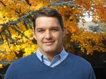 """Chris Neilson: """"Tener un sector privado es algo sano que permite brindar una opción a las personas"""""""