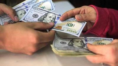 Dólar abre la semana subiendo a S/ 3.519