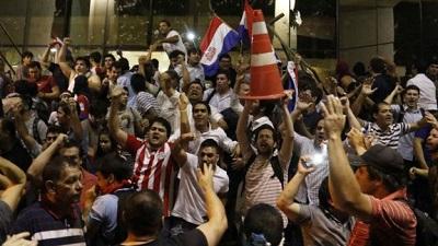 Se producen manifestaciones en contra del Congreso paraguayo