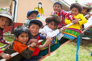 Primero la infancia: una estrategia basada en el desarrollo de los niños más pobres del Perú