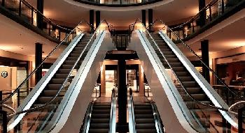 Crítica realidad para el reinicio de los centros comerciales